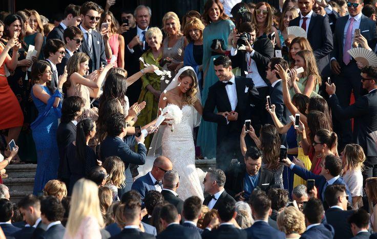 Alvaro Morata e Alice Campello a nozze: il calciatore del Real Madrid e la modella sposi al Redentore a Venezia. www.wednews.it  #weddinginvenice #venezia #wednews #matrimonio #gossip