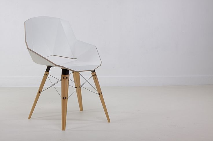 Krzesło Moon'y 2011projektu Magdaleny Tekieli Design - PLN Design