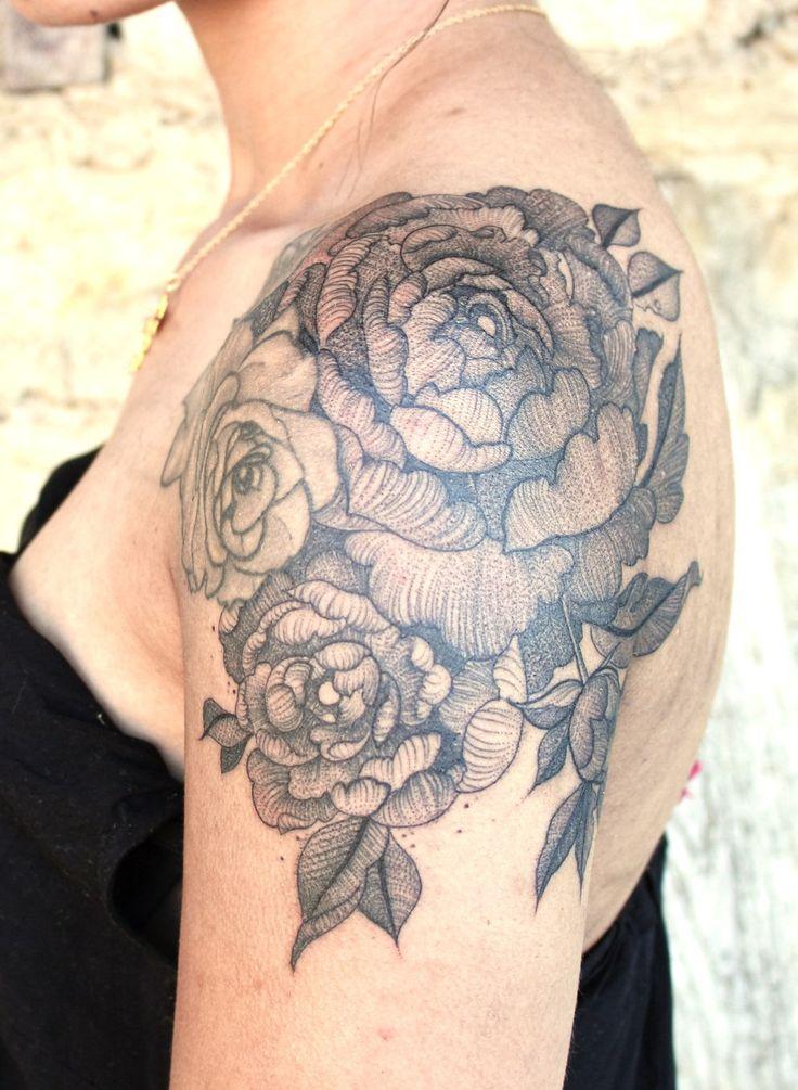 1000 id es sur le th me tatouage pivoines sur pinterest tatouages tatouages de flocon de. Black Bedroom Furniture Sets. Home Design Ideas