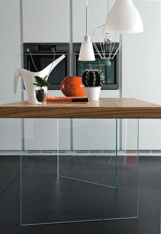 tavolo moderno in legno