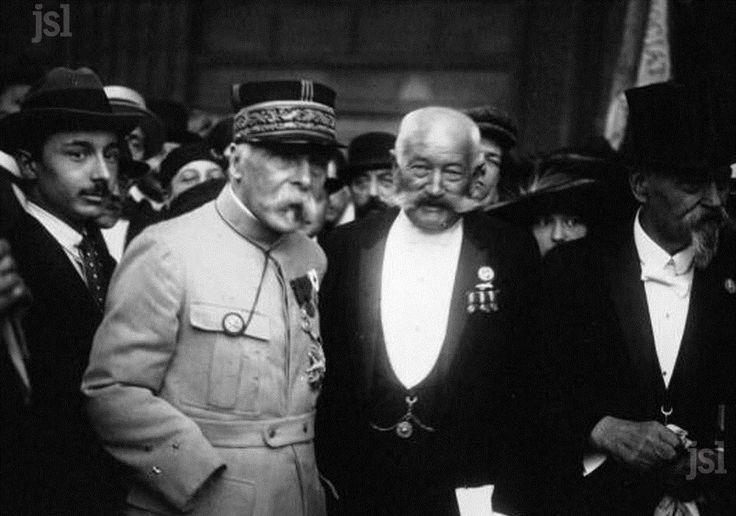 Encadré | 1920 : le général Pau revient sur les lieux des combats