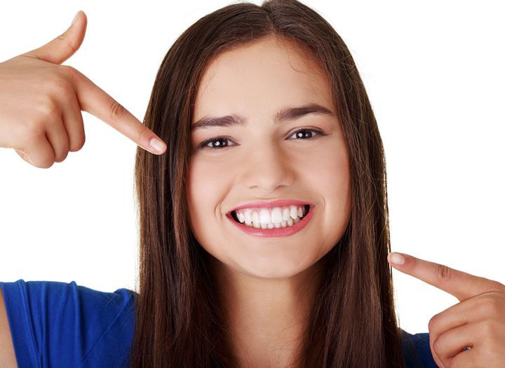 Egészség Kupon - 87% kedvezménnyel - Egészség - Legyen szép a mosolyod! Beyond professzionális fogfehérítés, fogkő eltávolítással és fehérítő hatású polírozással most 97 900 Ft helyett 12 900 Ft-ért a Jókai Dentálnál, Budapesten az Oktogon mellett!.