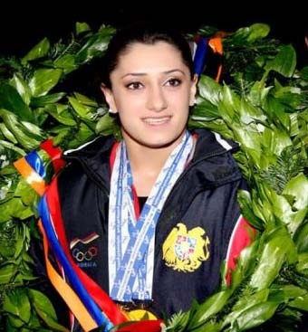 Nazik Avdalyan - world champion Armenian woman weightlifter