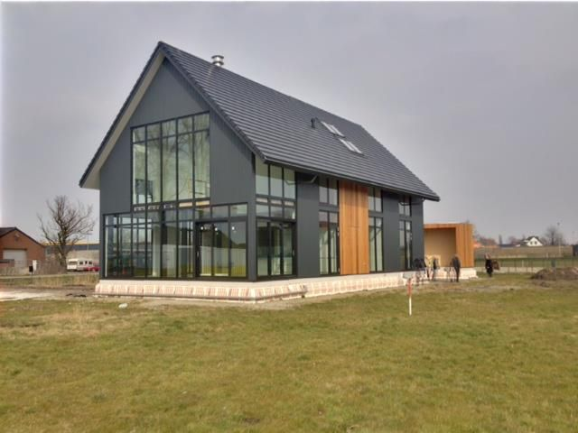 Ontwerp voor een woning in het buitengebied schuurwoning door ontwerpbureau liiv website www for Modern buro land