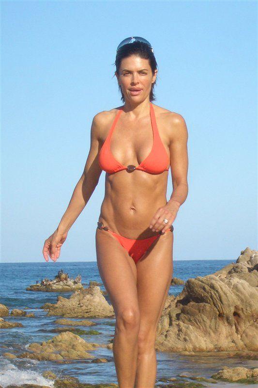 lisa whelchel bathing suit