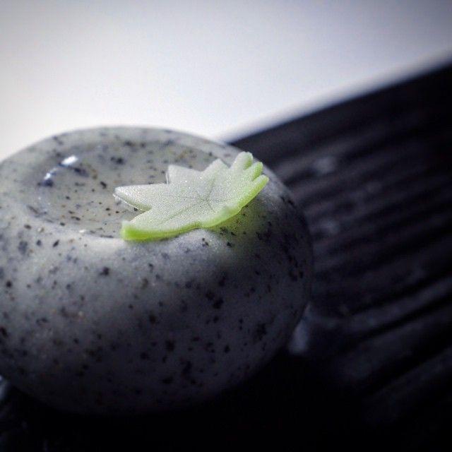 """一日一菓 「井戸辺」 煉切製 wagashi of the day """"idobe"""" 本日は、「井戸辺」です。 井戸辺に浮かぶ楓を添えて。 胡麻煉切で井戸を模してます。 #和菓子 #和菓子職人 #職人 #菓子 #井戸辺 #idobe #wagashi #あん #伝統 #japan #sweet #cake #artist #candy #art #技法 #井戸 # #"""