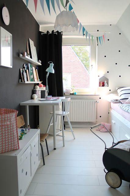 decorar una habitacin de nia de estilo nrdico con escritorio y zona de juegos