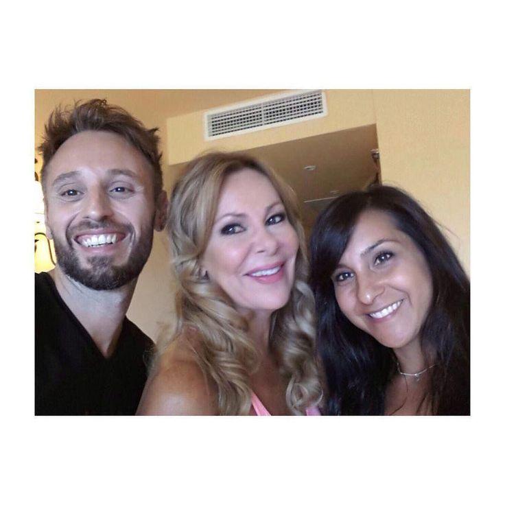 Toni y Vanesa con Ana Obregón peinaron y maquillaron a Ana Obregón en la Gala Starlite 201… http://ift.tt/1NzzkAW