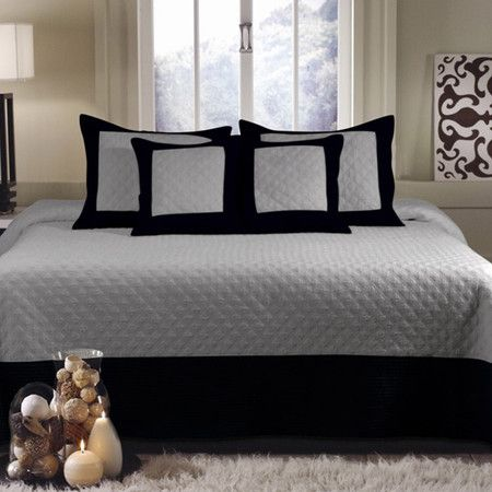 Bedspread set with double-diamond quilting.  Product: Twin: 1 Bedspread and 1 standard shamFull: 1 Bedspread a...