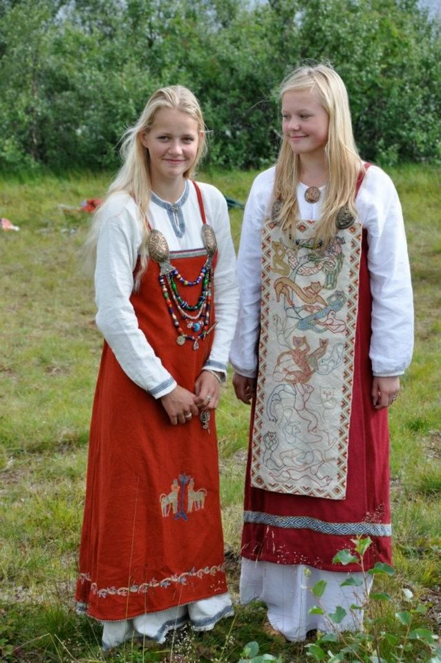 Selekjolen - Nille Gleasel's daughter and friend in outfits she's made. Her Viking Clothing book is great.