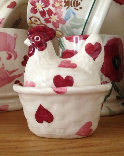 Emma Bridgewater PINK HEARTS coddler- Only found out they made these a few weeks ago after mum put it on her christmas list.. now i want one but they are very rare!
