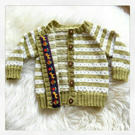 Knitting cardigan baby whool buttons ribbon