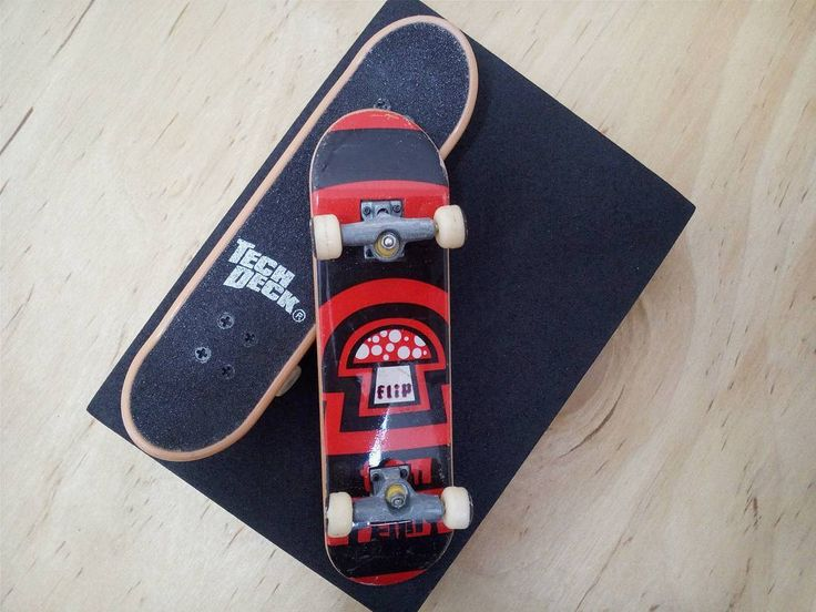 BRAND  FLIP SKATER  TOM PENNY SERIES  STANDARD SERIES PRODUCT  96MM DOUBLE PACKS * มีลายที่ล้อ * #techdeck #techdeckthailand #thailandtechdeck #fingerboard #fingerboardthailand #thailandfingerboard #toysthailand #toythailand #miniskate #skate #sk8 #สเก็ต #thailandskateboard #skateboardthailand #สเก็ตไทย #fingerboardsth #jjgreen  #tompenny #flip