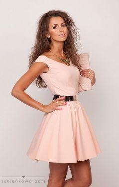 Rozkloszowana sukienka RÓŻOWA, klasyka luxusu LISA