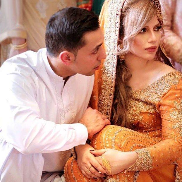 The gorgeous make up artist #AnamFalak wearing a Saffron yellow #FarahTalibAziz bridal embellished with traditional zardozi in shades of gold on her Nikkah #FarahTalibAzizBridals