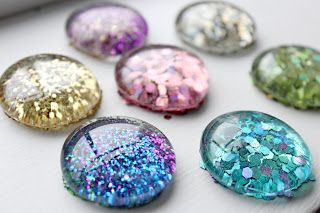 DeLoop: 365 Days of Pinterest Day 15 ~ DIY GLITTER Magnets...  Super cute, all the bling a girl could want, and kid-friendly.  Score!
