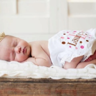 Newborn photography by the talented Stephanie Moore Rue
