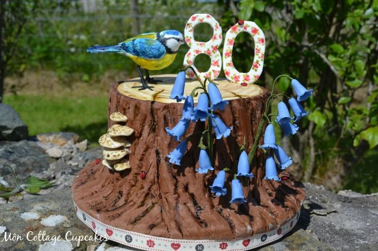 Woodland theme cake - Cake by Môn Cottage Cupcakes