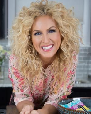 Kimberly Schlapman from Little Big Town band