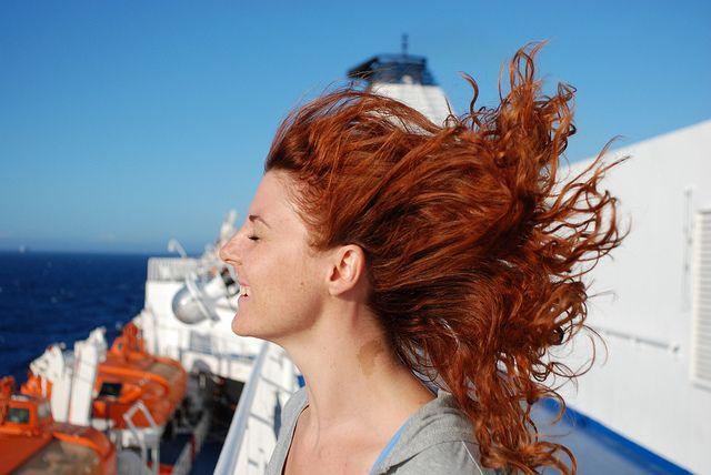 Prezentujemy kompleksowy sposób (a nawet trzy sposoby) na porost włosów. Pewne, sprawdzone rozwiązania które poradzą sobie z tym problemem raz na zawsze!