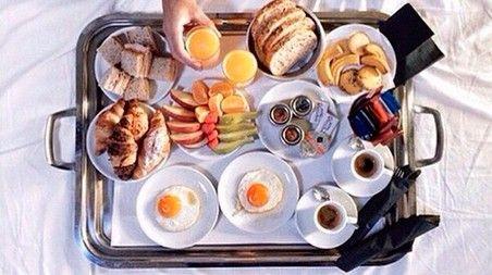 Desayunos para adelgazar: http://www.cosmopolitantv.es/noticias/5650/desayunos-para-adelgazar