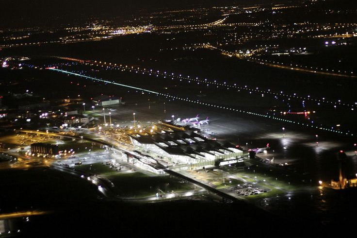 ILS cat. II system finally at #AirportGdansk! #lights #airport #ils
