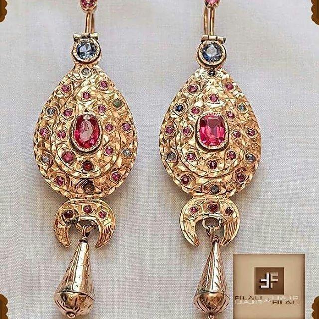 "Boucles d'oreilles ""Tradi-red"" Rosas,rubis Or 18k #jewlery #bijoux #fashion #fes #morocco #diamonds #caftan #style #stylish #instafashion #gold #whitegold #rosegold #bracelet #ring #sapphire #emerald #wedding #fashionshow #necklace"