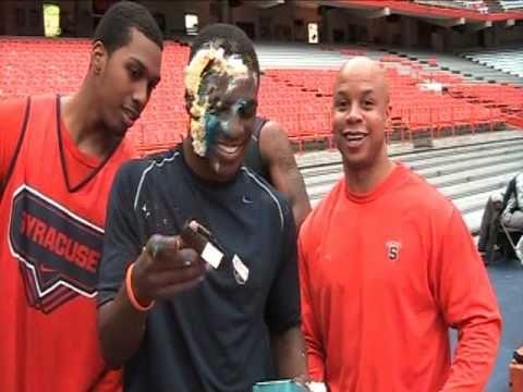 Jonny Flynn's birthday surprise from Syracuse basketball team
