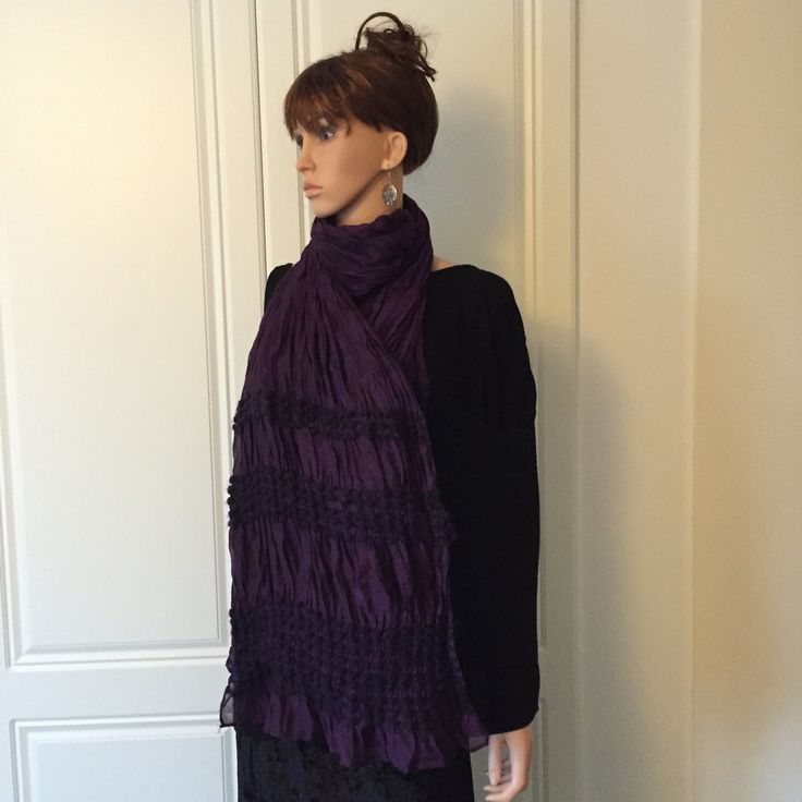 Scarf in Deep Purple with Knitted Effect on the ends of the Scarf