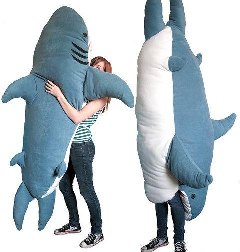 「サメさんの中・・すごくあったかいナリ・・・」 食べられちゃったまま眠れるステキな寝袋