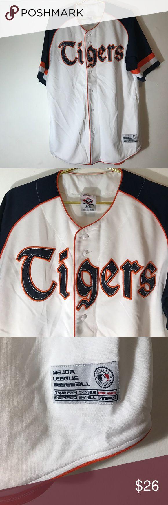 Men's Detroit Tigers baseball jersey Detroit Tigers MLB baseball jersey in a Large. True fan series. Shirts Tees - Short Sleeve