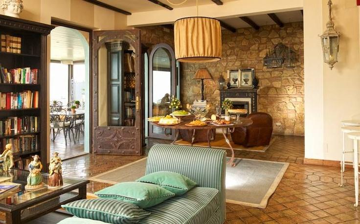 23. Hotel Villa Ducale, Taormina, Sicilien/Italien  Ett litet boutique-hotell med individuellt inredda rum i typisk siciliansk stil. Med det lilla hotellet följer uppmärksam personal som gärna guidar dig rätt. Varje morgon serveras siciliansk bufféfrukost.