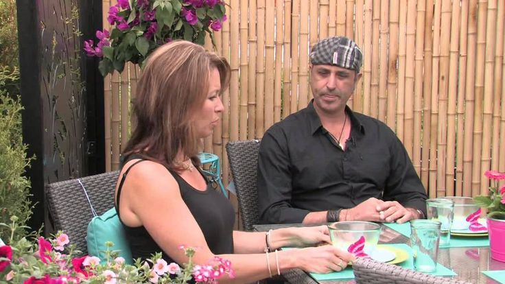 Today Michelle joins us to show us a great idea in any outdoor space. A Skid Garden, they are fun to make and look great in yard. Later in the show we meet up with Dave Maciulis from Natural Landscape Group at our new Hamilton store to talk about creating the perfect outdoor living and dining space. Back in the kitchen Chef Mark from La Piazza Allegra Hamilton gives us some important tips on care and use of knives. Don't miss his take on knife skills. #KnifeSkills #PaletteGarden #SkidGarden