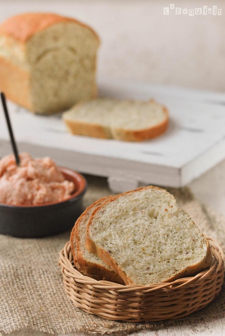 Pan de mostaza y eneldo / Crema de salmón | LExquisit