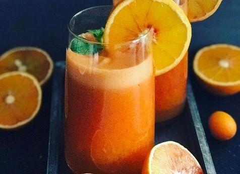 Bomba witaminowa z czerwonymi pomarańczami