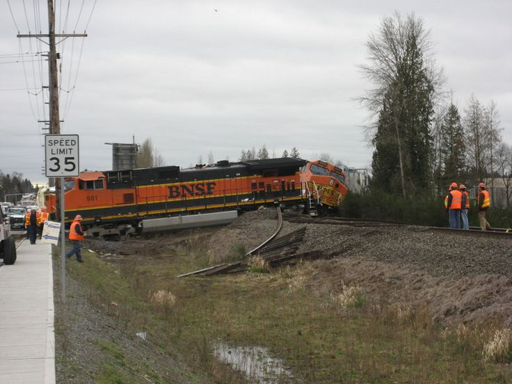 BNSF Train Wrecks | BNSF Train Wreck in Marysville, WA
