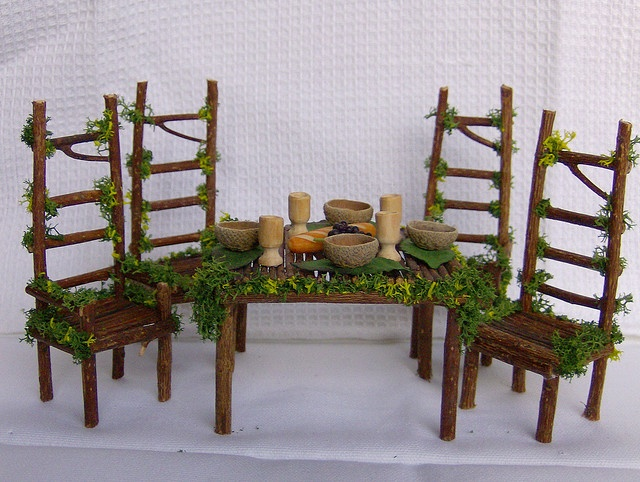 Nice Fairy Dining Table And Chairs
