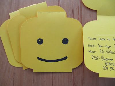 Toast and life: A budget-friendly LEGO party.