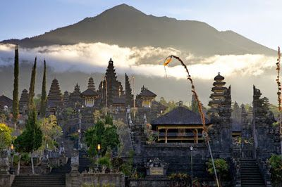 Bali Indonesia Holiday Travels: The Biggest Temple in Bali