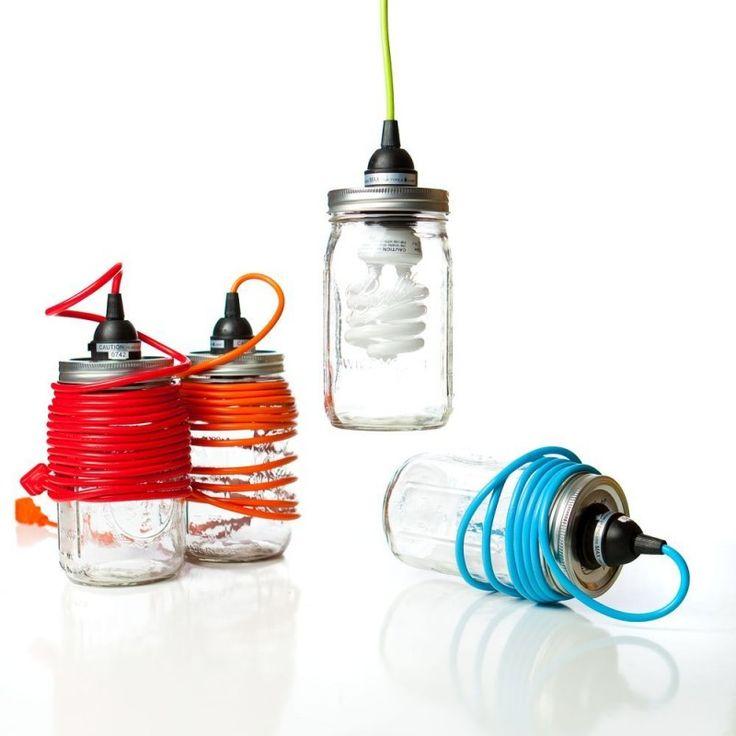 Lampada in barattolo elemento di arredo stravagante originale divertente realizzato con barattoli di vetro alluminio filo elettrico e lampadine foto prezzi