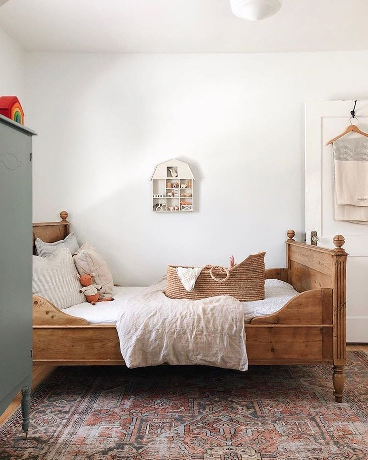 So Simple And Beautiful Meuble Chambre A Coucher Chambre Enfant