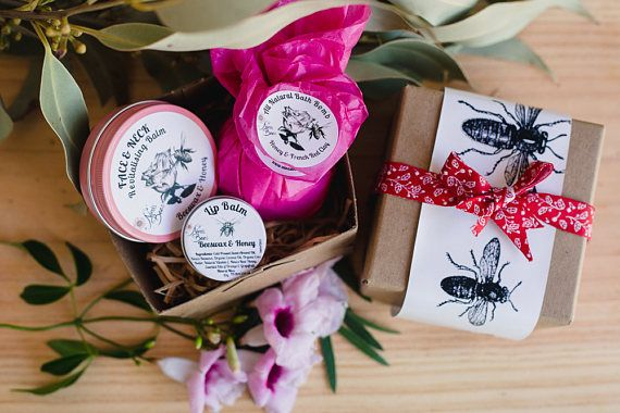 Spa Pack, Gift Pack, Gift Set, Relaxation Gift Pack, Bridesmaid pack, Gift under 30  Any 1 of my balms + any bath bomb +  honey lip balm. Beautifully packaged with bee theme