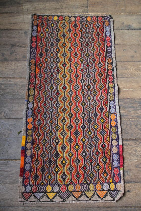 Small Decorative Vintage Turkish Rug - Wool -  Door mat, Runner, Bath Mat - 104x50cm