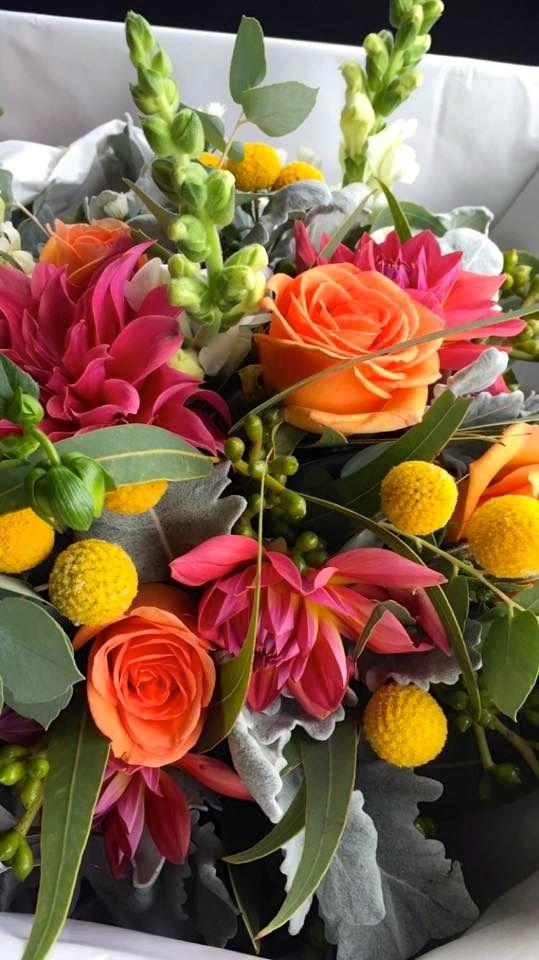 The bridal flowers! #ivyandmoss #eventstyling #countrywedding #megalongvalley #megalongfarm #flowers #bridal #wedding
