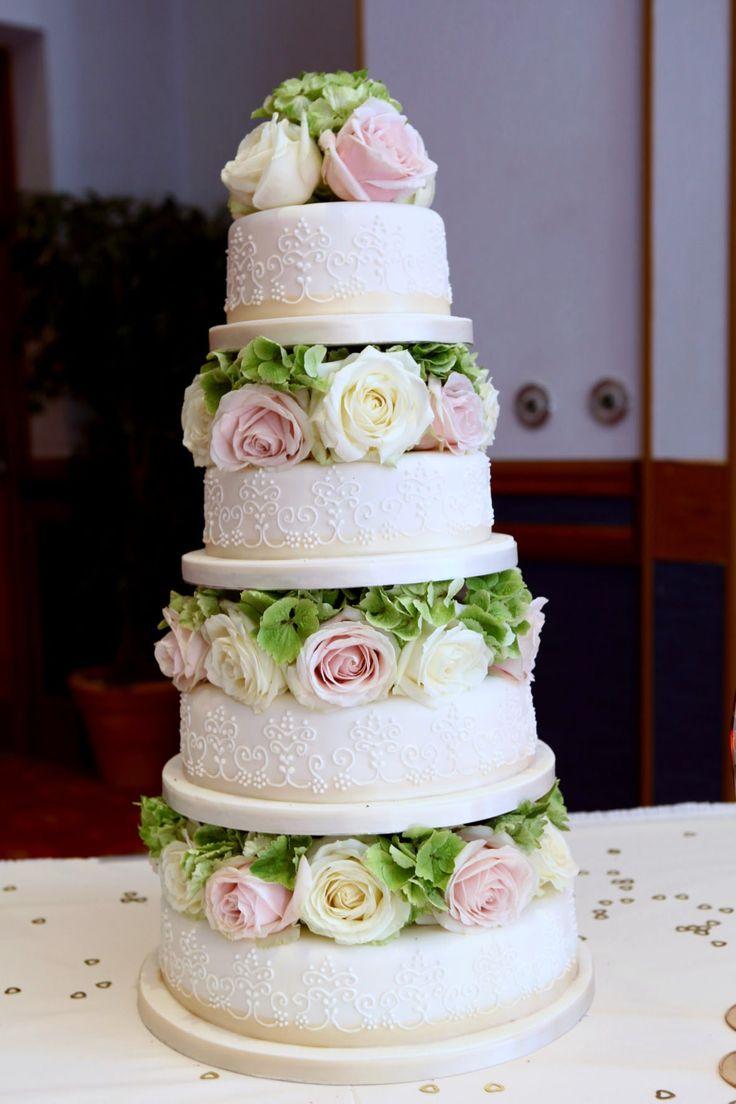 White and pink roses wedding cake37 best Wedding cake images on Pinterest   Marriage  Amazing cakes  . Fresh Flower Wedding Cakes. Home Design Ideas