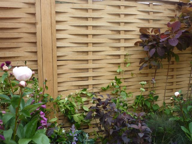 split oak woven garden pence panels - Chelsea Flower Show exhibitors | The Enduring Gardener