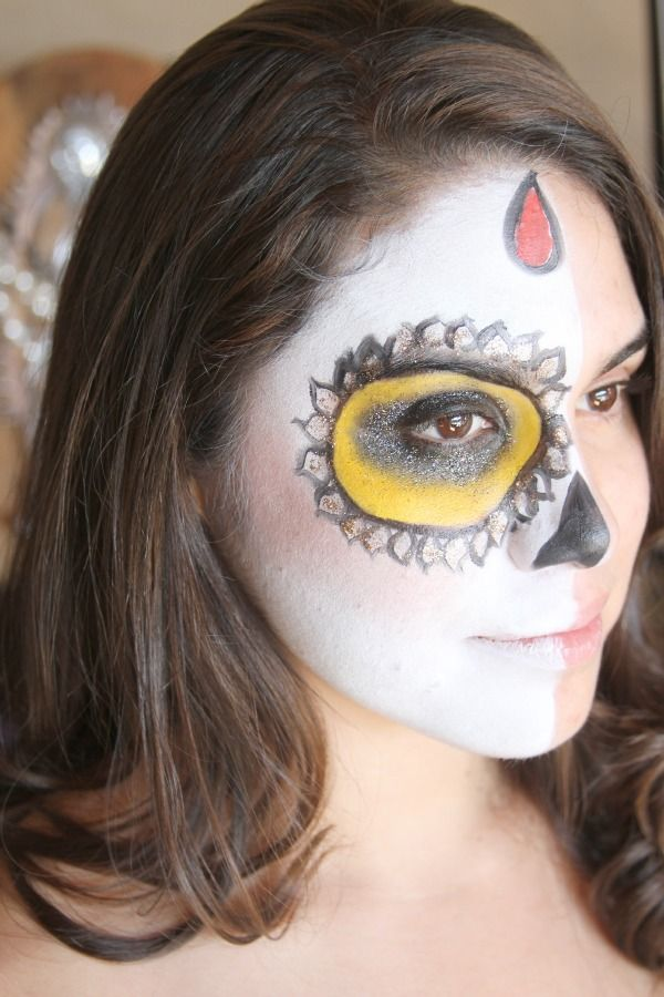 79 best Day of the Dead DIY/Makeup images on Pinterest | Day of ...