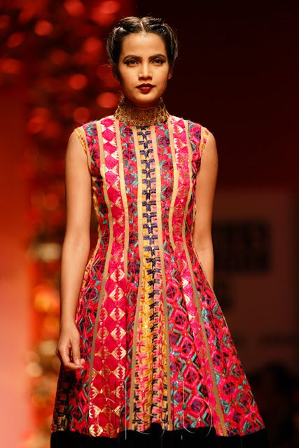 Delhi Style Blog: Manish Malhotra Autumn Winter 2013 WIFW Day 3
