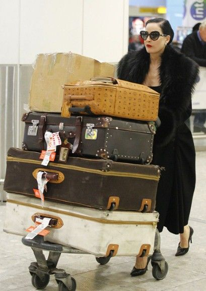 travelling Dita-style... pretty sure @laurapaura and I will look this good when we jet off in march?!
