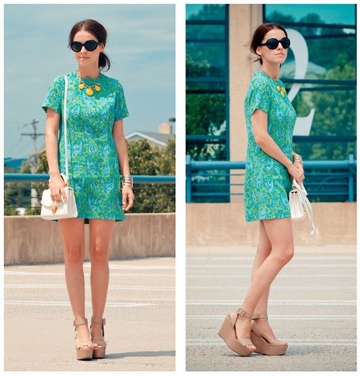 Paisley print dress+ GIVEAWAY on my blog  (by Veronica  P) http://lookbook.nu/look/3755181-Paisley-print-dress-GIVEAWAY-on-my-blog